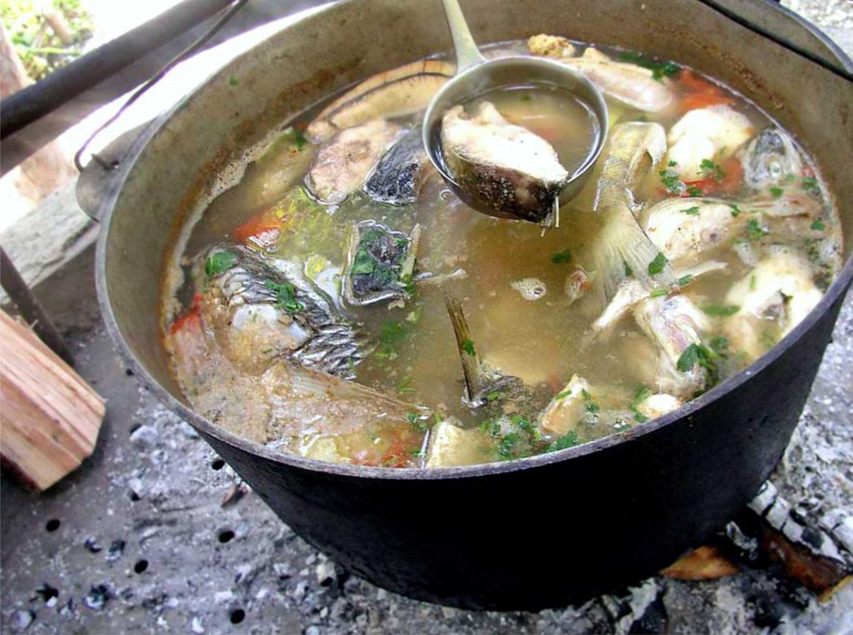 Как варить уху дома из речной рыбы рецепт пошагово