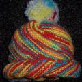 Gorrito odessa con pompón de colores  tejido por Estrella