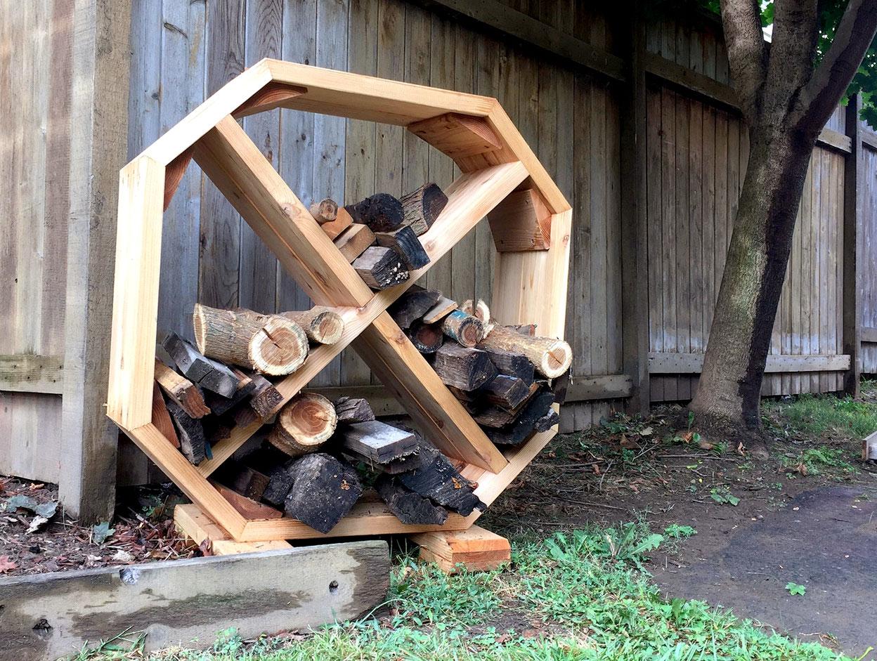 Как сделать поленницу для дров 51