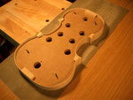 En la tabla de lijado, nos aseguramos de que toda la superficie de tacos, aros y contraaros quede bien nivelada.