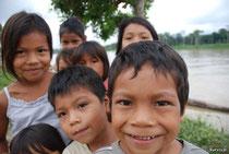 Niños kichwa de una comunidad que se encuentra cerca del proyecto de Repsol. Foto Survival.