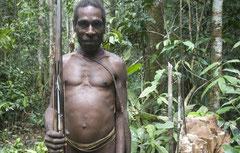 La forma ridícula y ofensiva de transmitir la noticia ha causado consternación a indígenas de todo el mundo. © Survival