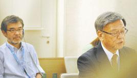 演説する翁長を背後の席で見守るNPОの上村代表=21日、スイス・ジュネーブの国連人権理事会