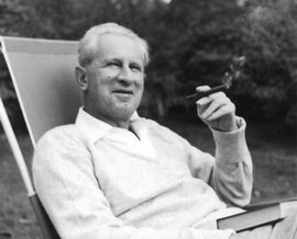 Herbert Marcuse in Newton, Massachusetts (1955). Copyright holder: Marcuse family, represented by Harold Marcuse (http://www.marcuse.org/herbert/booksabout.htm) [GFDL (http://www.gnu.org/copyleft/fdl.html) oder CC-BY-SA-3.0 (http://creativecommons.org/li
