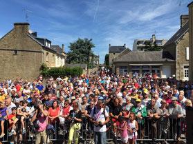 La foule était au RDV pour le départ à Avranches