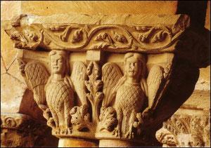 Capitel de Santo Domingo de Silos, famosas Arpías, simbolizando los placeres carnales