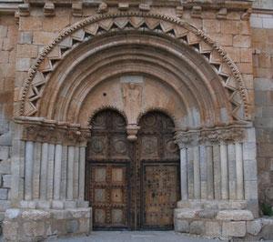 Fachada de la Iglesia de San Miguel Arcangel. Soria