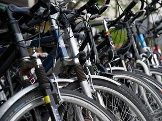 Eins von zehn: 300 000 Fahrräder werden jährlich als gestohlen gemeldet, nur zehn Prozent der Diebstähle werden aufgeklärt. Foto: Andrea Warnecke