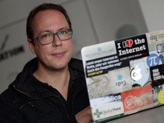 Markus Beckedahl, Gründer des Blogs Netzpolitik.org, in seinem Büro in Berlin: Sein Blog zählt zu den bekanntesten in Deutschland. Foto: Britta Pedersen/Archiv