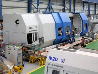Die 69 Tonnen schwere Maschine für Dreh-Fräsbearbeitung von Kurbelwellen, die in Chemnitz gebaut wurde, sollte eigentlich längst in Russland stehen. Das Bundesamt für Ausfuhr erteilte jedoch aufgrund der Russland-Sanktionen die Genehmigung nicht. Foto: Ja