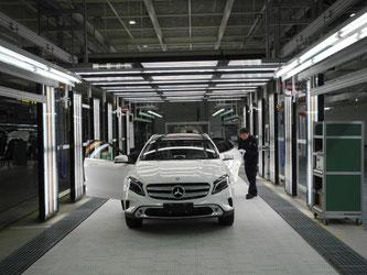 Daimlers China-Chef Hubert Troska rechnet nicht zwangsläufig mit einem Ende des Autobooms in China. Er geht von einem vorübergehenden Effekt aus. Foto: Andreas Landwehr