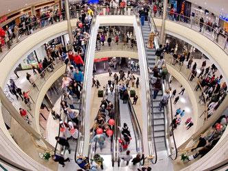 Der Juni beschärte den Händlern ein kräftiges Plus von 5,1 Prozent. Der Internet- und Versandhandel legte sogar 16,8 Prozent zu. Foto: Robert Schlesinger