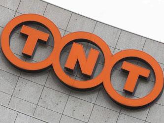 Übernimmt der US-Konzern FedEx den niederlädnischen Paketdienst TNT, blieben nur noch vier große Paketzusteller in Europa übrig. Die EU-Kommission nimmt die Milliardenfusion noch einmal genauer unter die Lupe. Foto: Koen Suyk