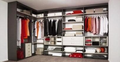 Closet con cajonera, repisas, zapatera, maletera y barras de colgar ropa