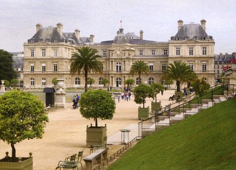 Le Sénat vu du jardin du Luxembourg