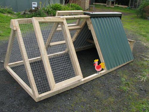 Как сделать клетку для курицы