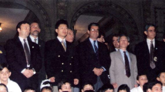 De derecha a Izquierda: El Maestro: ADOLFO JESUS VILLANUEVA - El General: CHOI HONG JI - Un Funcionario del Gobierno - El Hijo del General: CHOI JUNG HWAN y el Instructor:: ILVENTO RICARDO ANDRES - San Miguel de Tucumán - Tucumán - Argentina -