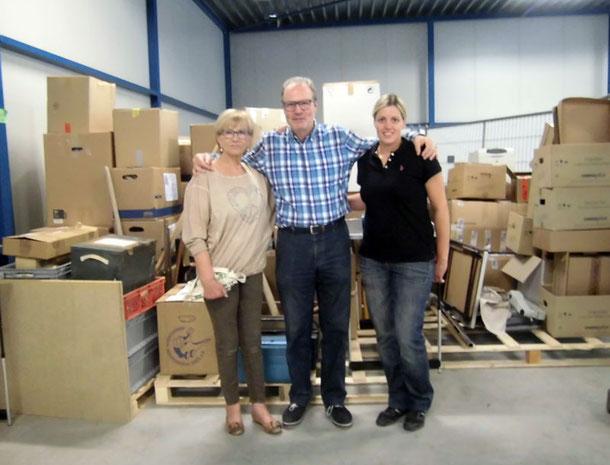 Auf dem Bild v.l.: Die Organisatorin Frau Ingrid van Aalst, M.F.Firmenich, Anja Lubinus