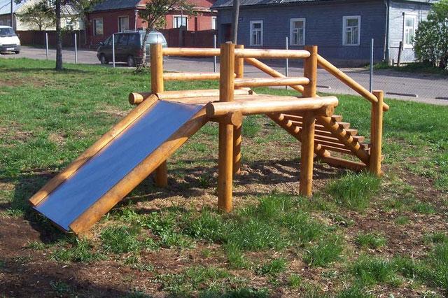 Детские площадки своими руками из дерева и бревен фото 26
