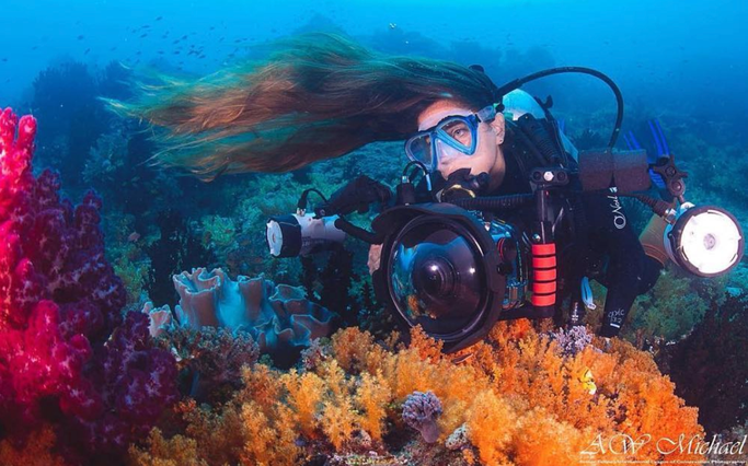 what to do with your hair when diving
