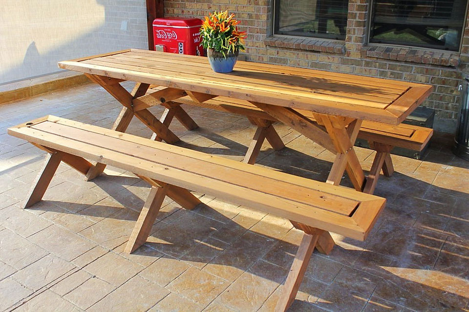 Деревянный стол и скамейка своими руками