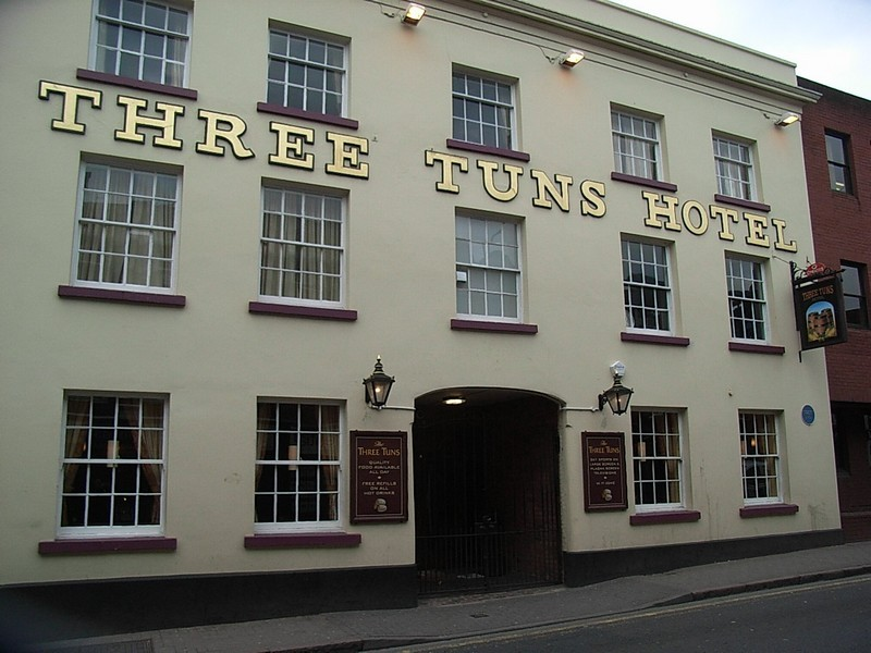The Three Tuns on the High street