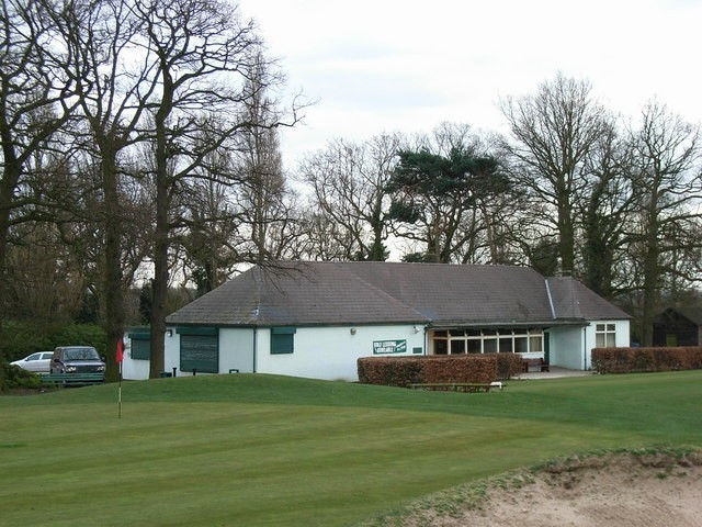 The 18th hole and the clubhouse, Pype Hayes Golf Course. © Copyright Roy Shakespeare, licensed for reuse under Creative Commons Licence: Attribution-Share Alike 2.0 Generic. Geograph OS reference SP1392. See Acknowledgements for a link to this website.