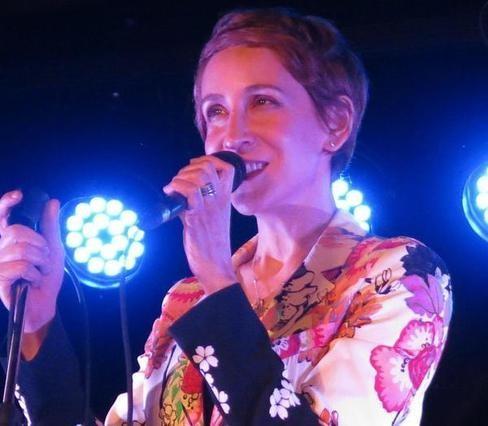 VIDEO (click / image). La Roche-Posay : Stacey Kent star des Chaises musicales l