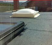 Claraboya en techo de panel sandwich
