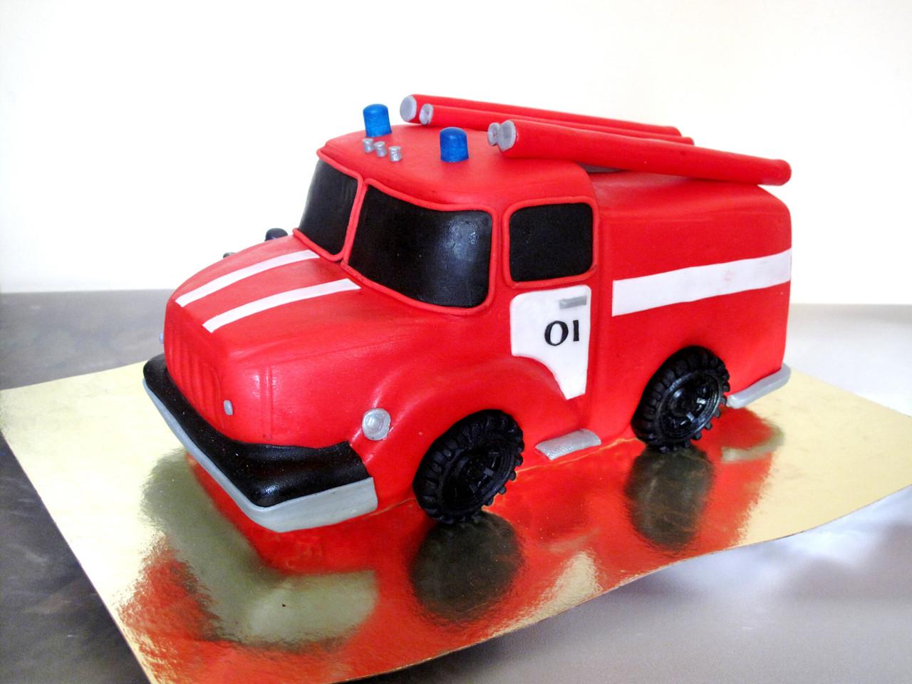Как сделать пожарную машину на торте 639