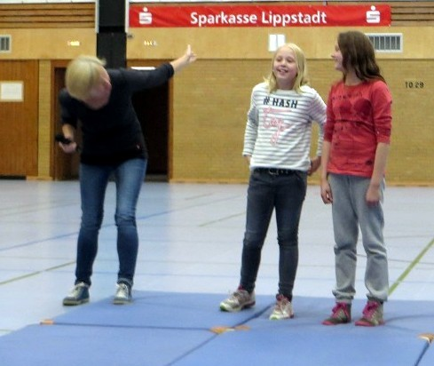 Herzlichen Glückwunsch an Johanna Ochel und Laura Schulte für einen 2. und 1.Platz beim Malwettbewerb
