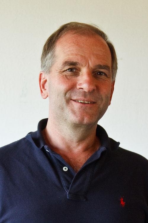 Ensemble theatergruppe die kleingmainer for Roland hofbauer