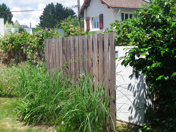 Gut gemocht Cache pompe à chaleur - France Morbihan baden creation jardin  SB66