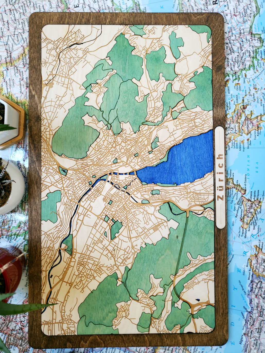 3D Design Zürich Wood Map Stadtkarte aus Holz mit dreidimensionaler Laser Gravur aus Birkenholz