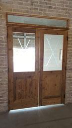 古材ガラス付きドア