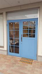 ガラス格子付き店舗ドア