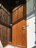 板張り玄関ドア
