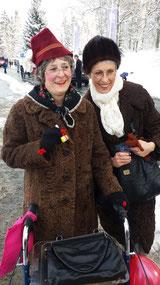 zwei (alte Frauen)