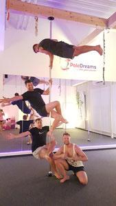 Poledance für Männer