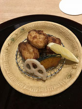 ふぐの唐揚げです。こちらは鶏のから揚げとはまた違った美味しさでした。