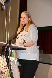 Die stellvertretende Klassenpflegschaftsvorsitzende Frau Funk bedankte sich im namen der Eltern bei der Klassenlehrerin Frau Hultsch