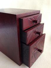 鎌倉彫 椿の引出|鎌倉漆工房いいざさ