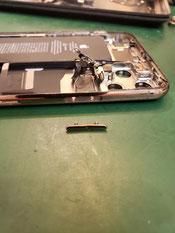 iPhone11promax本体フレームから電源ボタンを取り出し