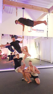 Männer Poledance