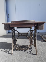 Ancienne machine à coudre Singer AVANT