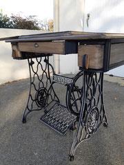 Ancienne machine à coudre Singer après rénovation
