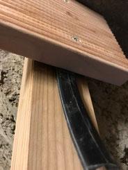 Abstandhalter zwischen Terrassenholz und Unterkonstruktion