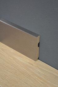 S. Fischbacher Living - Sockelleisten Aluminium