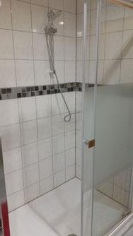 Bad / Neue große Dusche