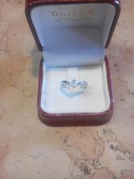 anello realizzato a mano in oro bianco con diamante D color certificato G.I.A.